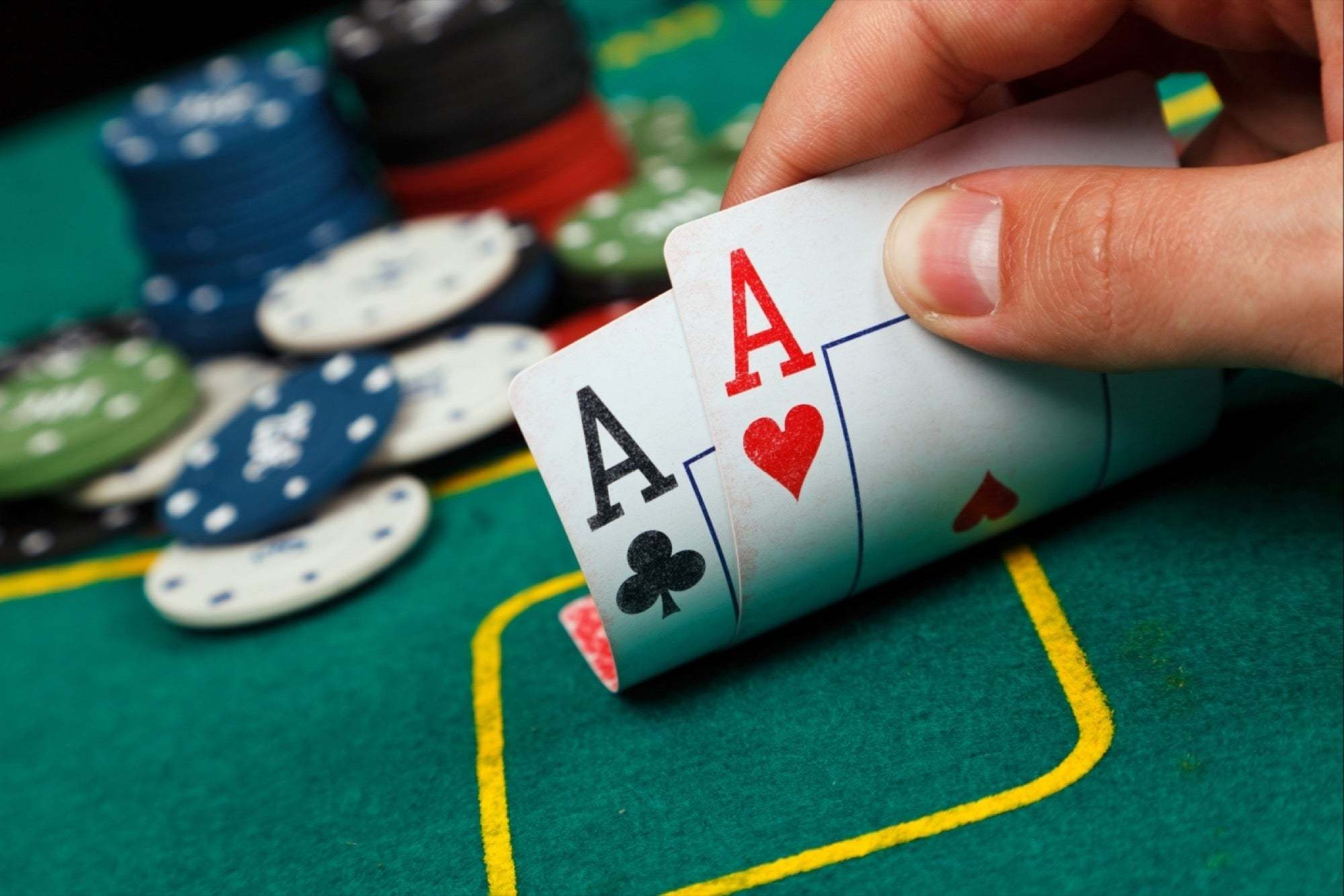 EASY TIPS TO PLAY POKER ONLINE FOR BEGINNERS