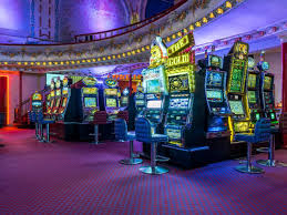 Online gambling games in 2020 are gaining popularity every year, because there are so many people who have hobbies