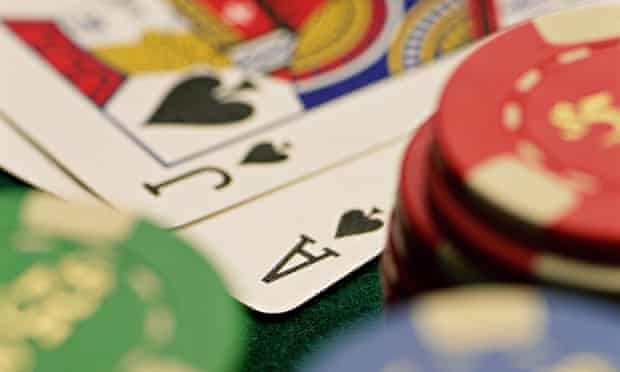 How to Play Poker Online with the Maximum